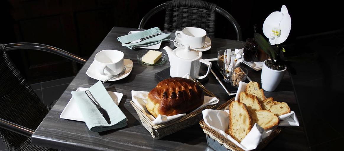 Pyrenee Hotel Restaurant Charme Avec Piscine
